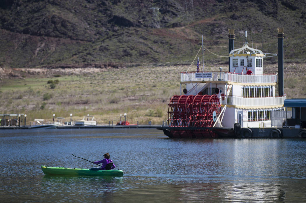 A kayaker at Hemenway Harbor at Lake Mead National Recreation Area on Monday, March 19, 2018. (Chase Stevens/Las Vegas Review-Journal) @csstevensphoto