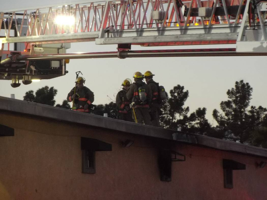 Clark County firefighters put out a blaze Friday morning, March 23, 2018, at Siegel Suites Twain II Apartments at 905 E. Twain Ave. (Max Michor/Las Vegas Review-Journal)
