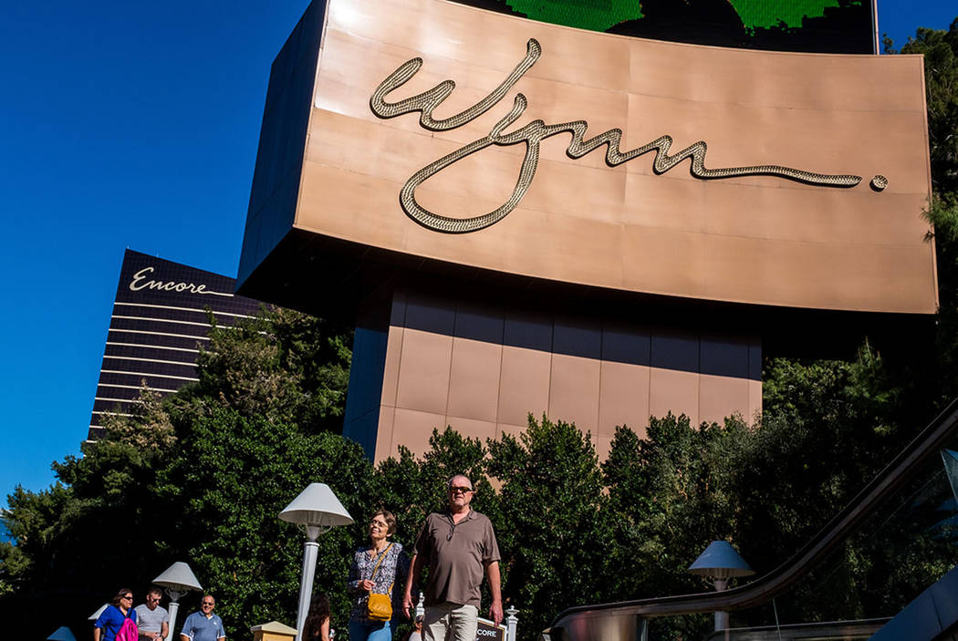 Strip visitors walk past the Wynn Las Vegas on South Las Vegas Boulevard on Wednesday, Feb. 7, 2018. (Patrick Connolly Las Vegas Review-Journal @PConnPie)