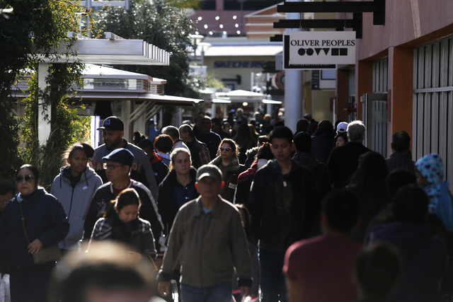 Shoppers at the North Premium Outlet Mall on Monday, Dec. 26, 2016, in Las Vegas. (Christian K. Lee/Las Vegas Review-Journal) @chrisklee_jpeg