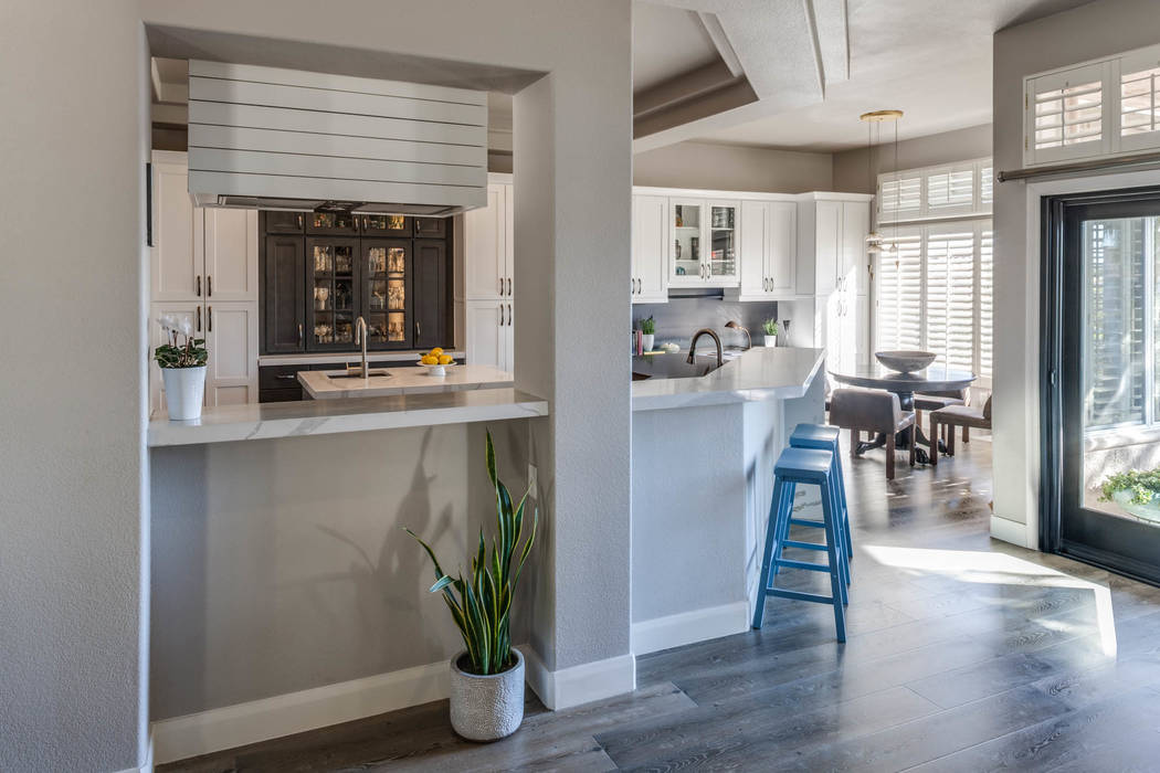 Photos: Lydia Cutter Photography  Kitchen Design: Nate Jones  Cabinets & Countertops: Infinite Trend