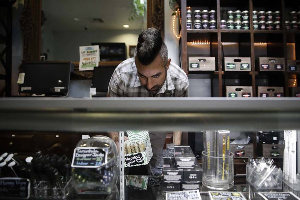 Licensed pot dealers in California cry foul over Weedmaps | Las