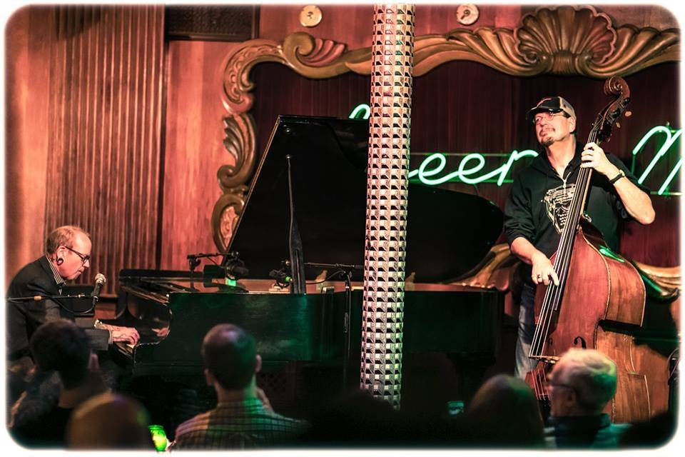 "Mike ""Jonesy"" Jones and Penn Jillette are shown at the Green Mill Jazz Club in Chicago on Saturday, March 24, 2018. (Michael Jackson)"