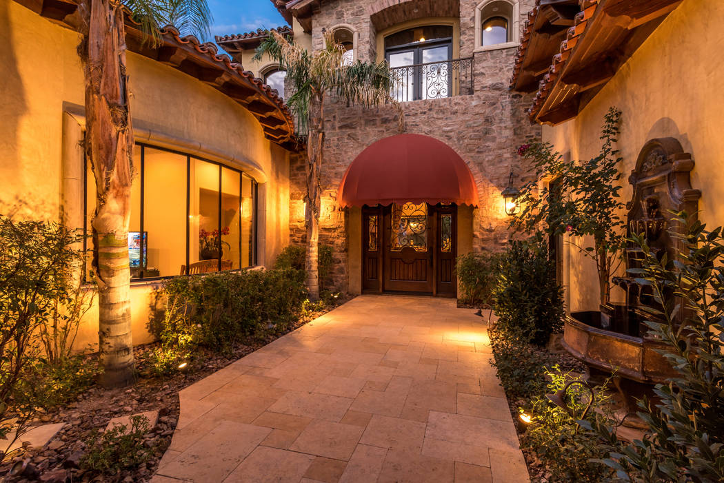 The home has a front courtyard. (Today's Realty Inc.)