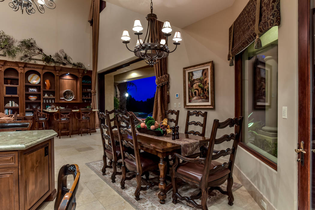 The kitchen has an informal dining area. (Today's Realty Inc.)