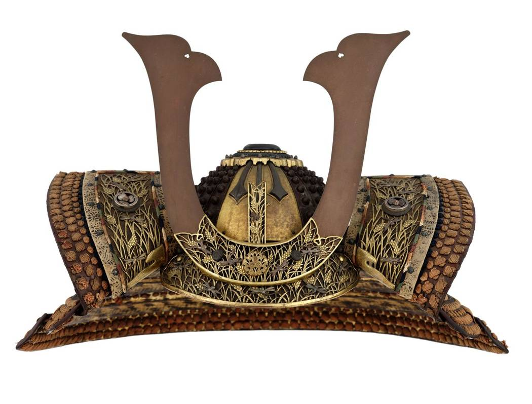 Oboshi suji bachi kabuto (ridged helmet with large rivets) on display at (Brad Flowers)