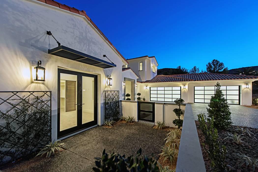 A back patio. (Canyon Creek Custom Homes)