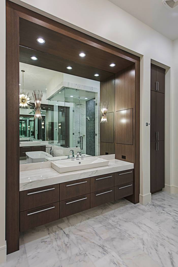 The master bath has a lot of modern features. (Canyon Creek Custom Homes)