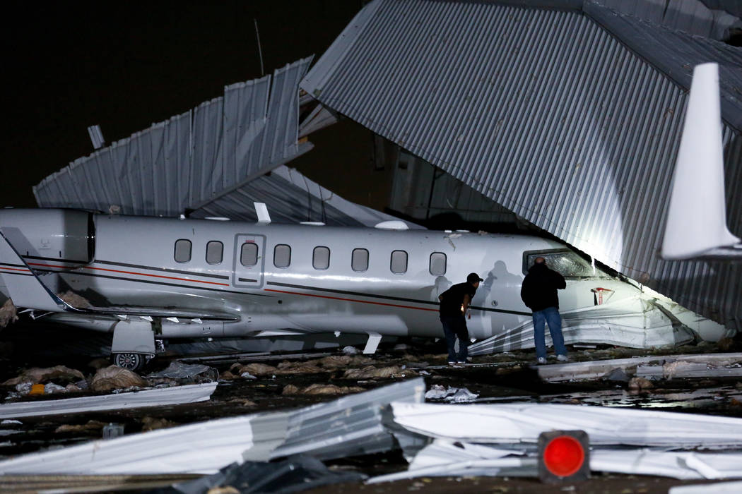Stong winds cause airport hanger collapse in Houston