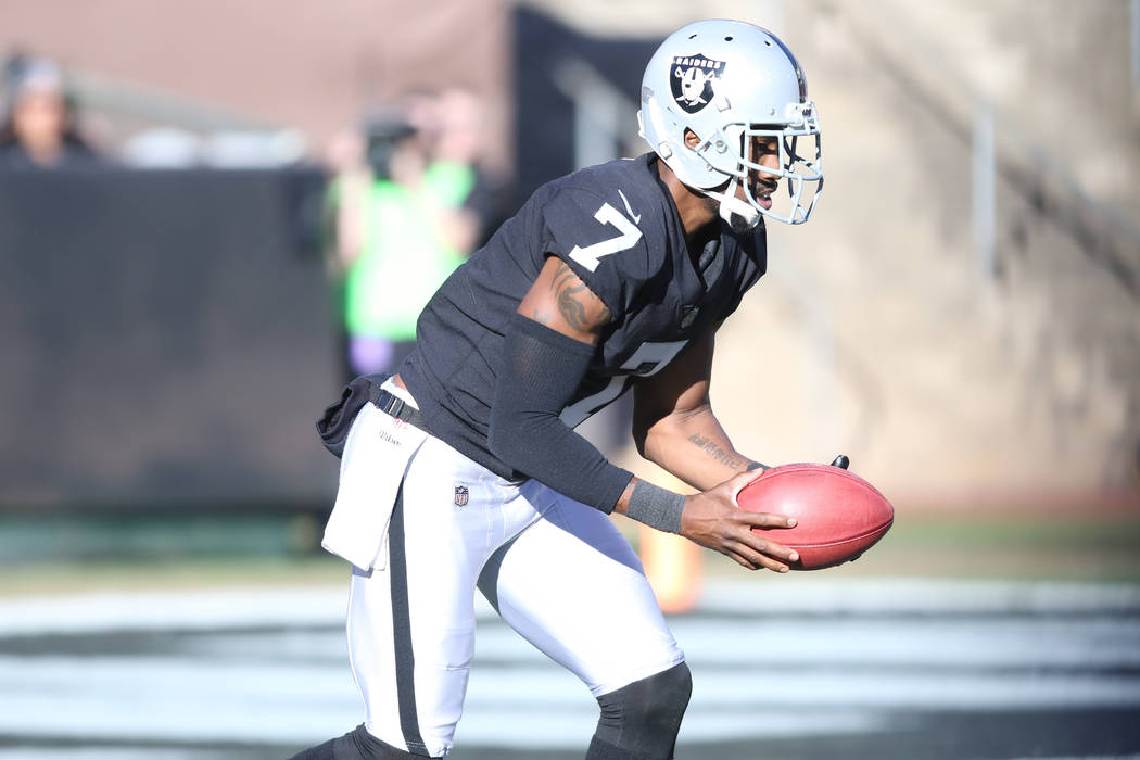 3f93634c6 Oakland Raiders punter Marquette King (7) prepares to punt the football  during the first