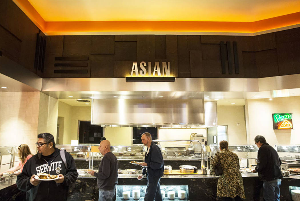 Dinners visit the pho station at Feast Buffet on Thursday, January 4, 2018, at Santa Fe Station hotel-casino, in Las Vegas. (Benjamin Hager Las Vegas Review-Journal @benjaminhphoto)