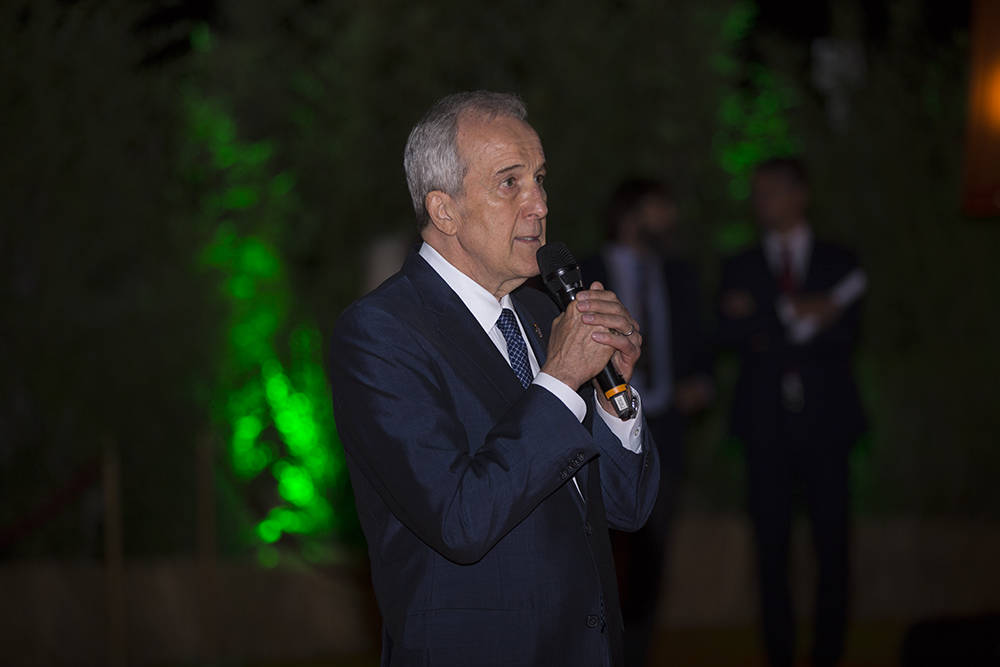 Keep Memory Alive founder Larry Ruvo welcomes guests to the An Italian Affair in Rome, Italy, yesterday (Sept. 6). The $200,000-per-couple fundraiser will support the Cleveland Clinic Lou Ruvo Cen ...