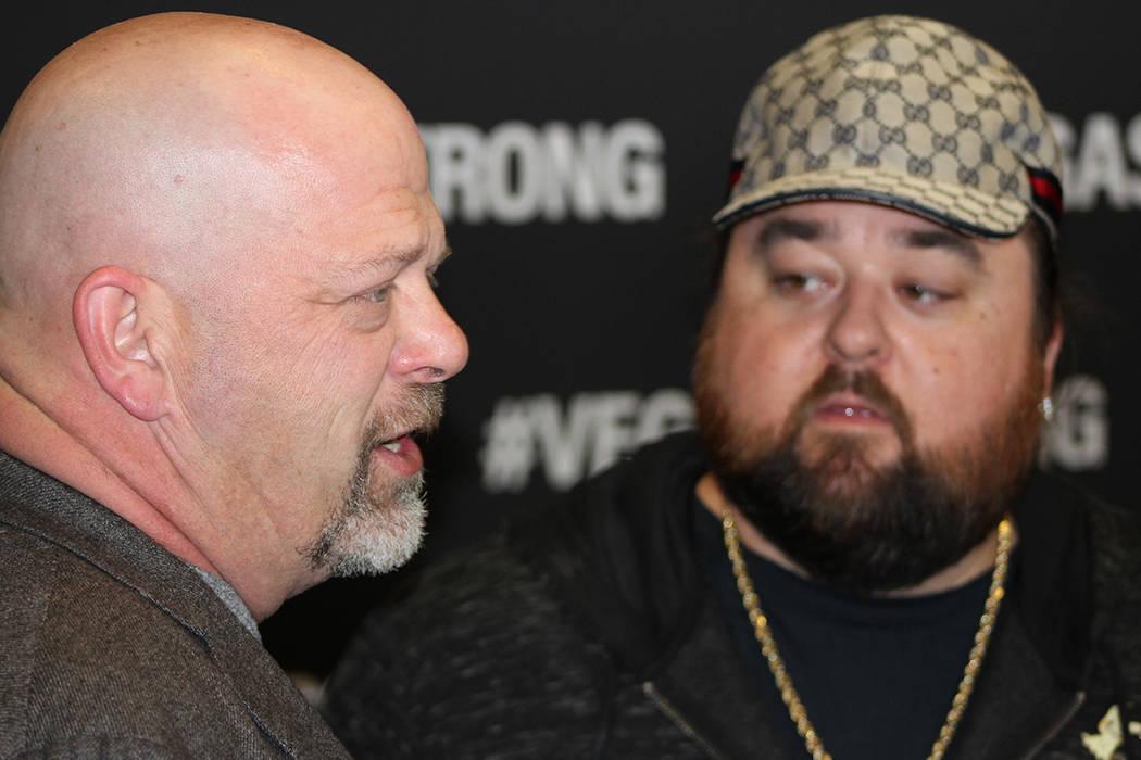 Rick Harrison y Austin Russell, han tenido un negocio familiar por 37 años en el centro de Las Vegas, y actualmente son figuras reconocidas localmente. 1 de diciembre en T-Mobile Arena. | Foto Cr ...