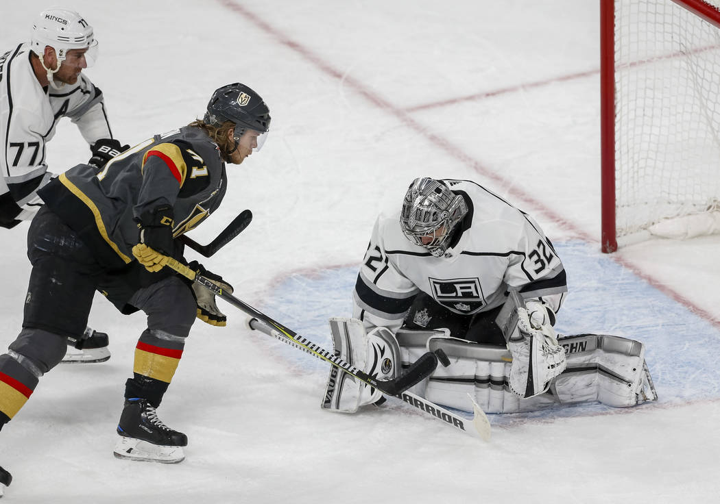 Golden Knights center William Karlsson (71) attempts to score on Los Angeles Kings goaltender Jonathan Quick (32) during the second period of Game 2 of an NHL hockey first-round playoff series bet ...