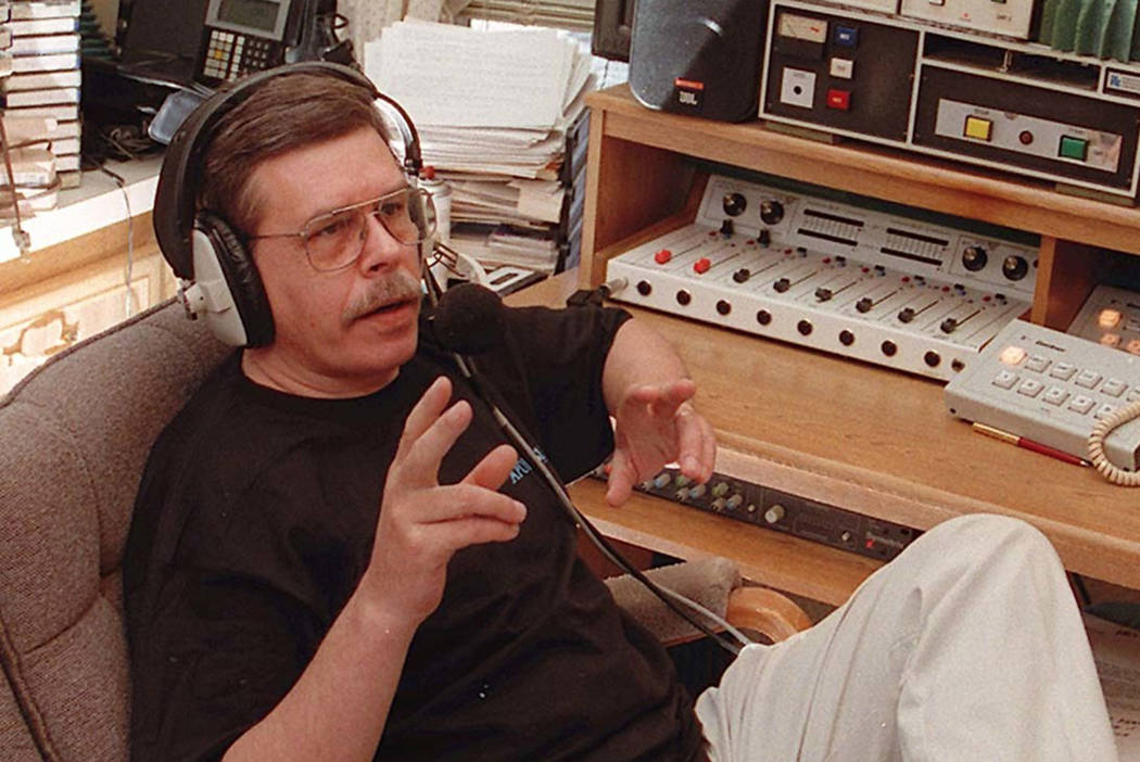 'Coast to Coast AM' radio host Art Bell dead at 72