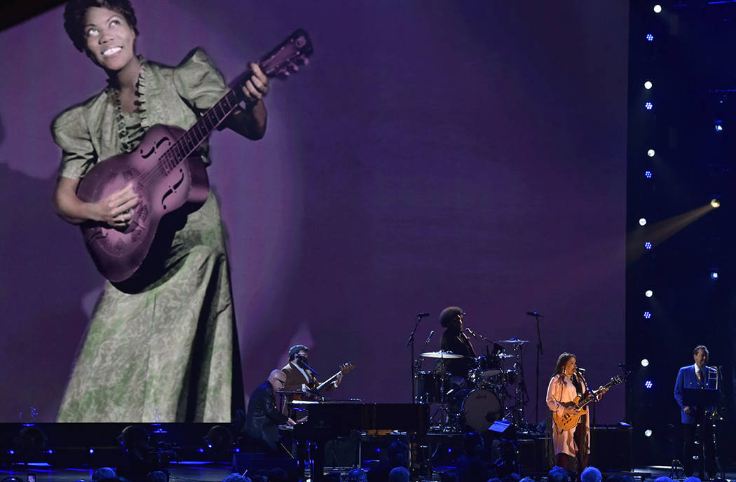 Felicia Collins performs during the Rock and Roll Hall of Fame induction ceremony, Saturday, April 14, 2018, in Cleveland. (AP Photo/David Richard)