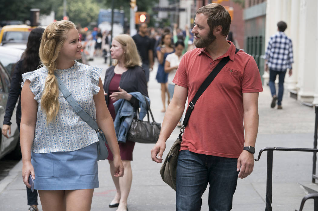 Amy Schumer and Rory Scovel star in I FEEL PRETTY (Photo Credit: Mark Schafer; Motion Picture Artwork © 2017 STX Financing,)