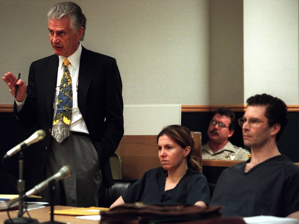 Attorney John Momot makes a point regarding the issue of juror misconduct during the trial of Sandra Murphy, center, and Rick Tabish in 2000. (Jim Laurie/Las Vegas Review-Journal)