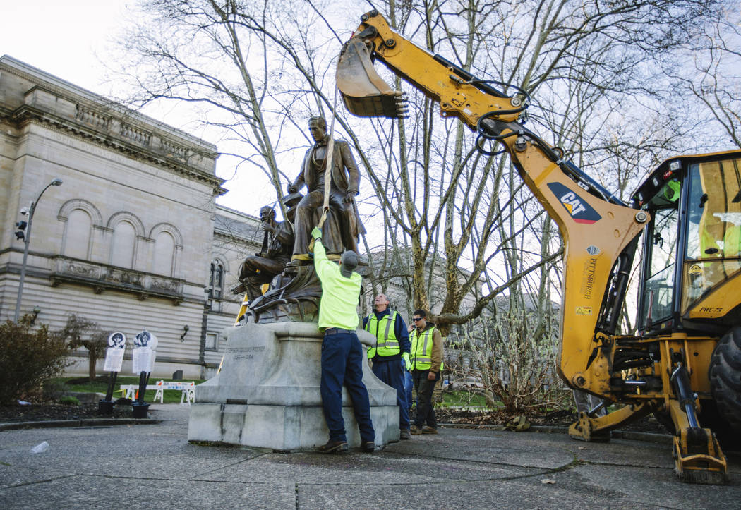 Crews remove Stephen Foster statue in Oakland