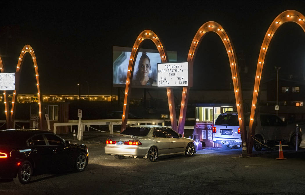 Patrons line up to enter the Las Vegas Drive In on Sunday, Nov. 11, 2017, in Las Vegas.  Benjamin Hager Las Vegas Review-Journal @benjaminhphoto