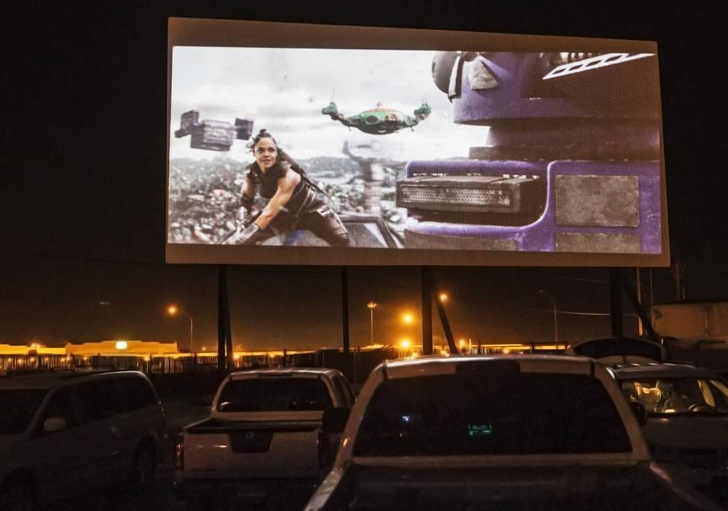 Patrons watch Thor: Ragnarok at the Las Vegas Drive In on Sunday, Nov. 11, 2017, in Las Vegas.  Benjamin Hager Las Vegas Review-Journal @benjaminhphoto