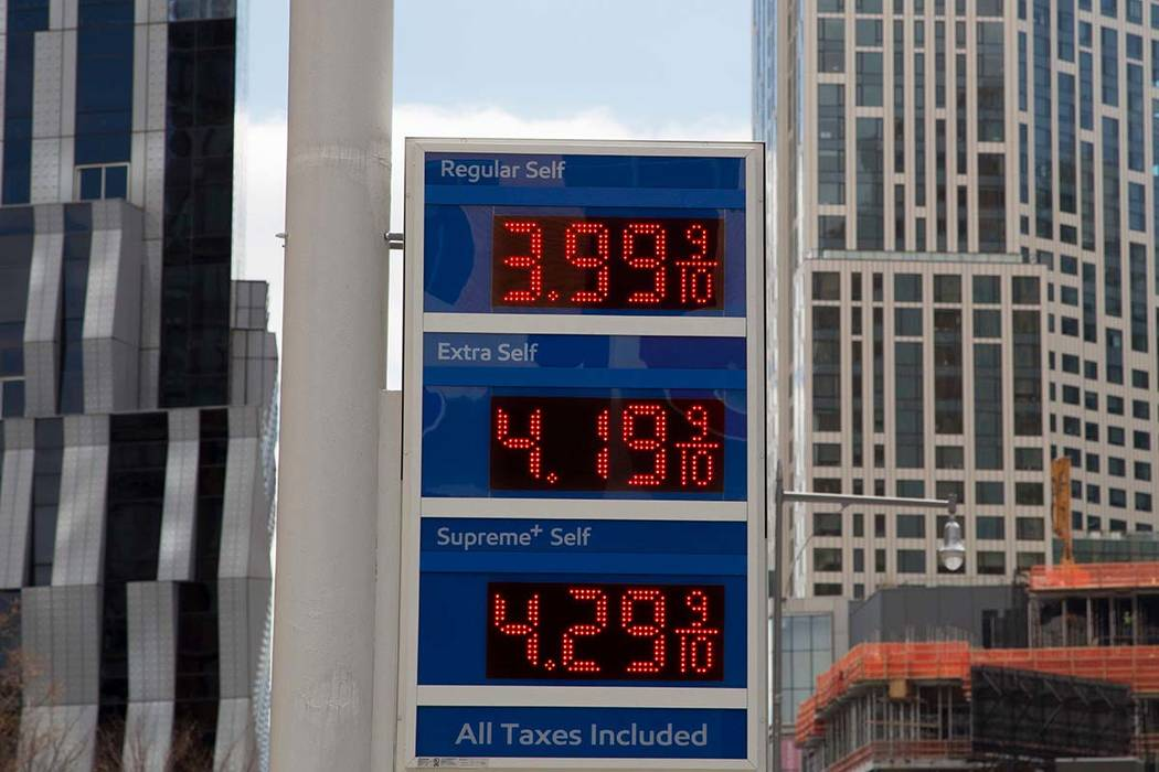 AAA Michigan: Statewide average gas prices decrease by 2 cents