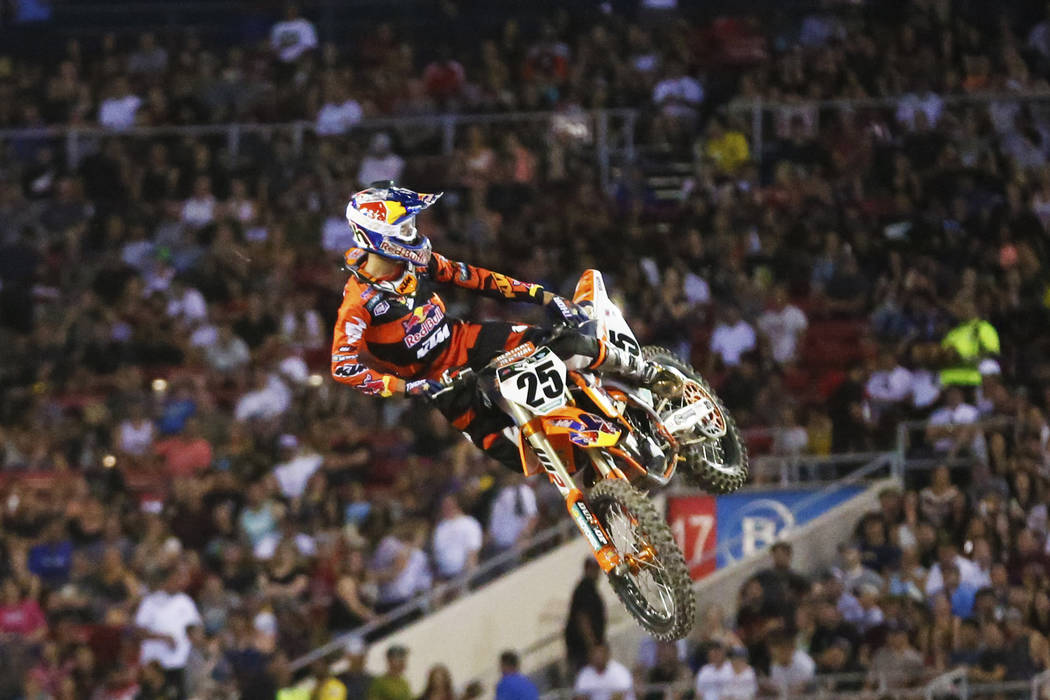 Marvin Musquin (25), of Florida, salutes the crowd after winning the 450SX second heat during the Monster Energy Supercross season final at Sam Boyd Stadium in Las Vegas on Saturday, May 5, 2018. ...