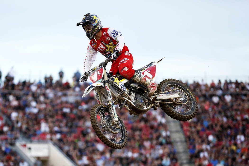 Zach Osborne (1E) competes in the 250SX East Heat during the Monster Energy Supercross season final at Sam Boyd Stadium in Las Vegas on Saturday, May 5, 2018. Andrea Cornejo Las Vegas Review-Journ ...