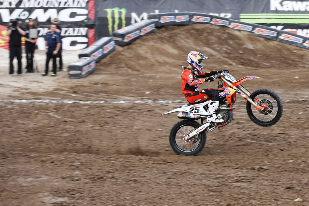 Marvin Musquin (25), of Florida, greets the crowd before competing in the 450SX second heat during the Monster Energy Supercross season final at Sam Boyd Stadium in Las Vegas on Saturday, May 5, 2 ...