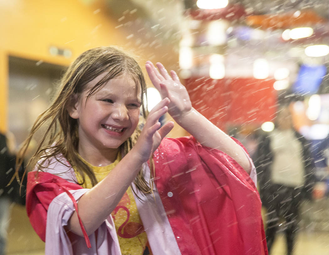 Lillian Warby splashes around in Water World at the DISCOVERY Children's Museum on Tuesday, May 1, 2018, in Las Vegas. Benjamin Hager Las Vegas Review-Journal @benjaminhphoto