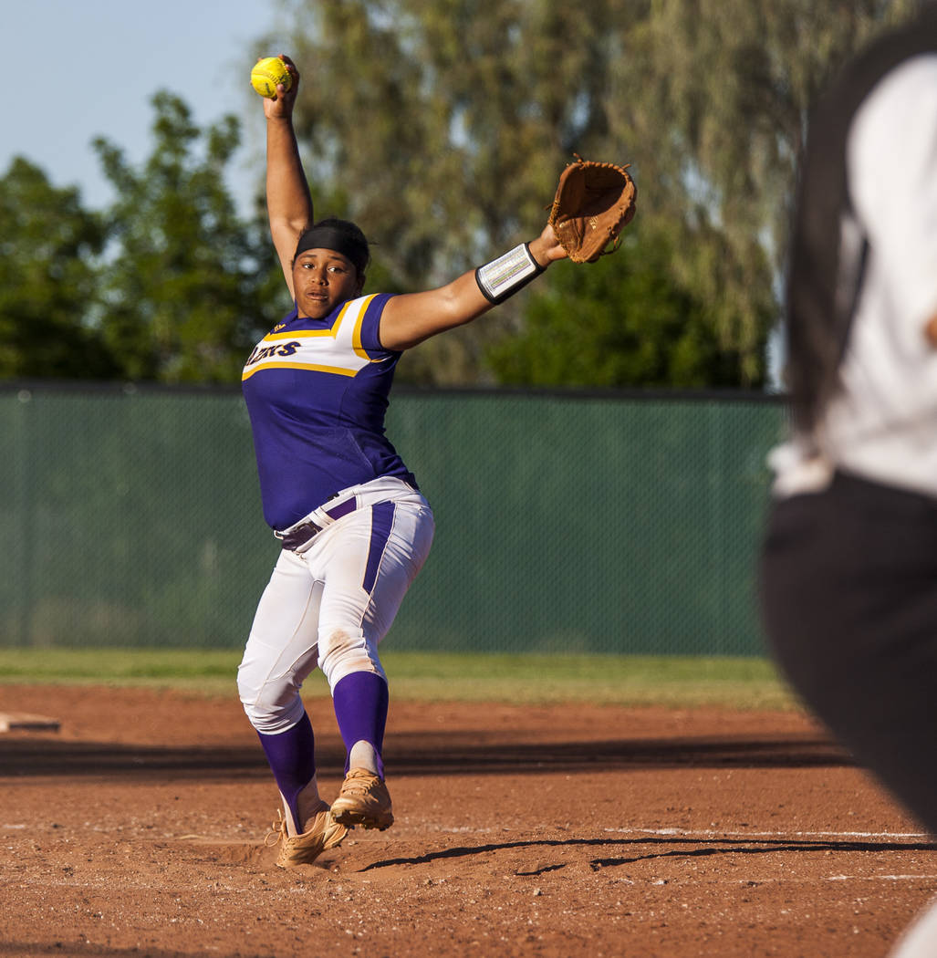 Durango pitcher Trinity Valentine pitches against Desert Oasis in the seventh inning at Desert Oasis High School in Las Vegas on Thursday, May 3, 2018. Durango won 12-6. Patrick Connolly Las Vega ...