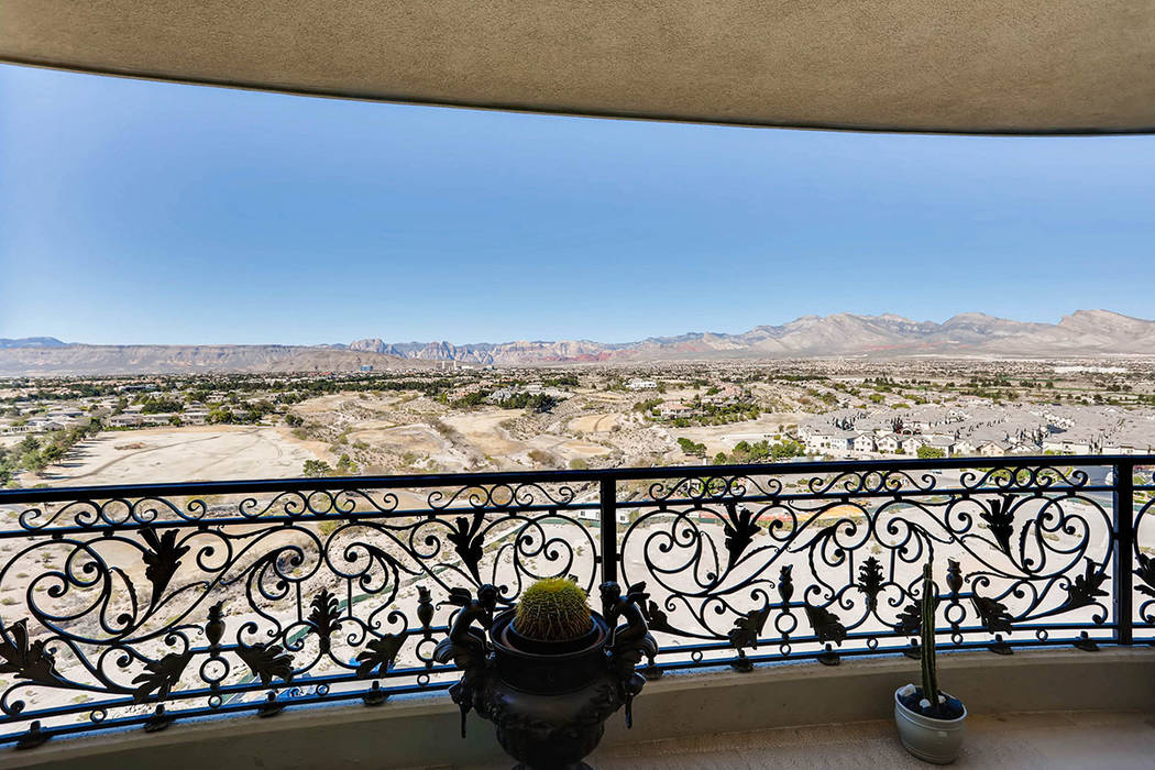 Views of the desert mountains. (Char Luxury Real Estate)