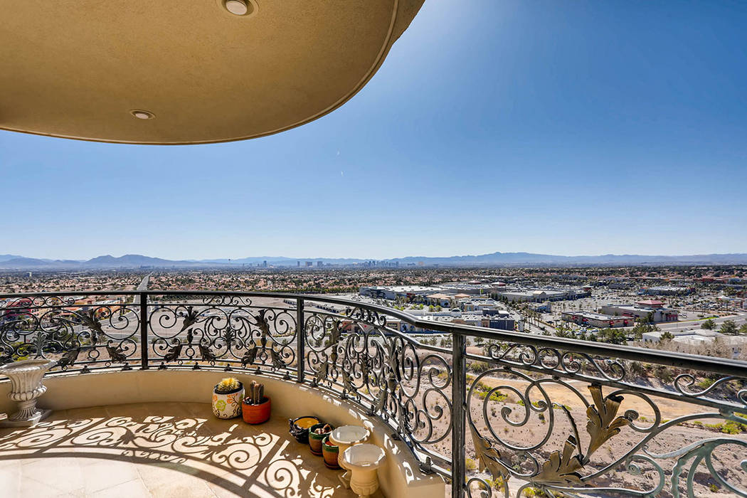 The penthouse has nearly 360-degree views of the Las Vegas Valley. (Char Luxury Real Estate)