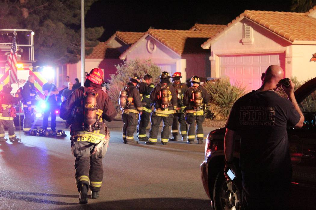 Firefighters from the North Las Vegas Fire Department respond to a fire at 5920 N. Vista Del Rancho Way. (Max Michor/Las Vegas Review-Journal)