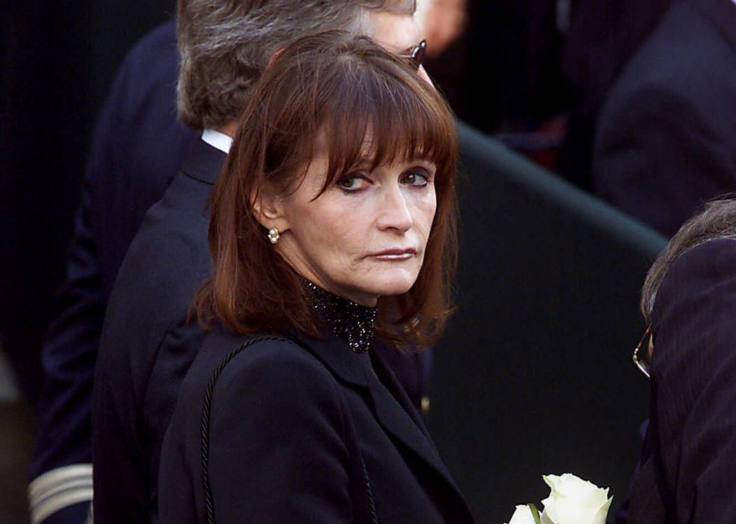 "Actress Margot Kidder, who dated former Prime Minister Pierre Trudeau, arrives for his funeral at Notre-Dame Basilica in Montreal, Quebec, Oct. 3, 2000. Kidder, who starred as Lois Lane in the "" ..."