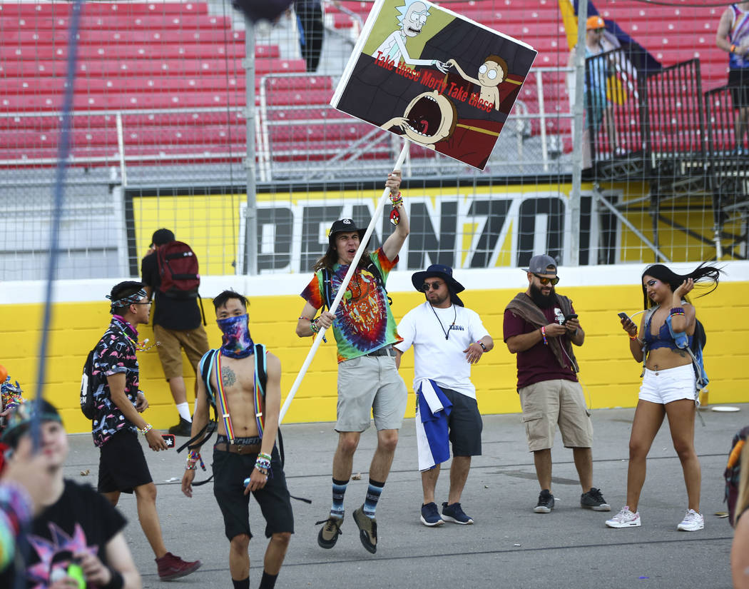Attendees arrive for the first day of the Electric Daisy Carnival at the Las Vegas Motor Speedway in Las Vegas on Friday, May 18, 2018. Chase Stevens Las Vegas Review-Journal @csstevensphoto