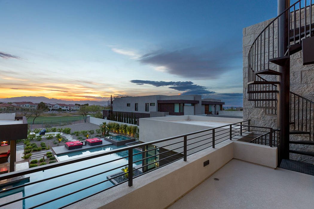 The rooftop deck has views of the Las Vegas Valley. (The Red Luxury Real Estate)