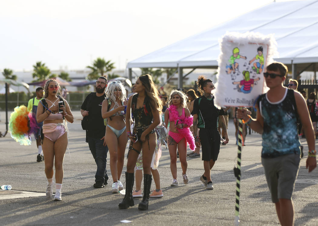 Attendees arrive for the third day of the Electric Daisy Carnival at the Las Vegas Motor Speedway in Las Vegas on Sunday, May 20, 2018. Chase Stevens Las Vegas Review-Journal @csstevensphoto