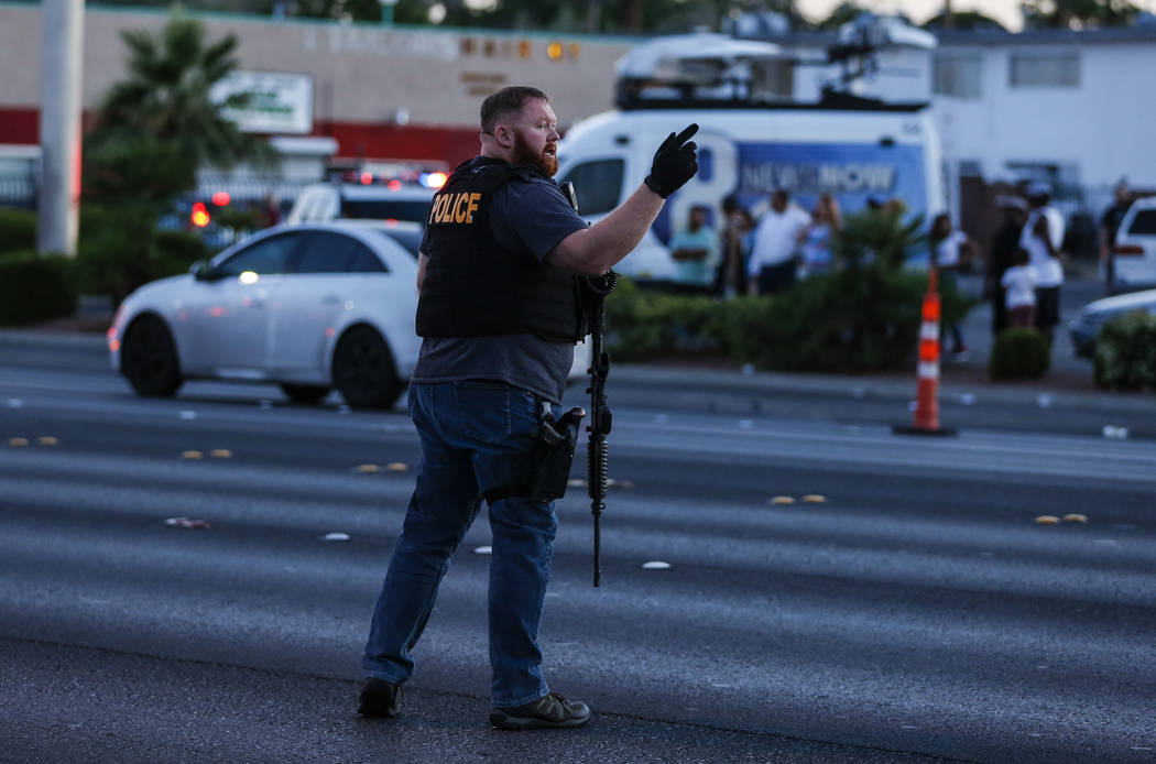 Police redirect traffic the Boulevard Mall in Las Vegas on Thursday, May 17, 2018. Andrea Cornejo Las Vegas Review-Journal @drea_cornejo