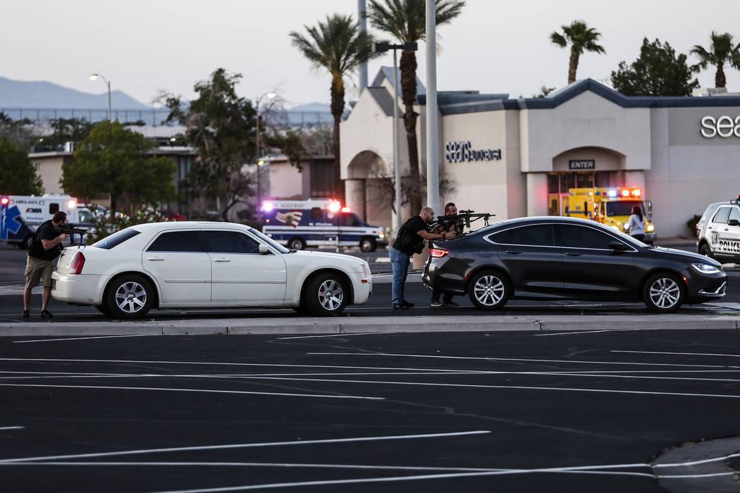 Police cordon off the outside Sears at the Boulevard Mall in Las Vegas on Thursday, May 17, 2018. Andrea Cornejo Las Vegas Review-Journal @drea_cornejo