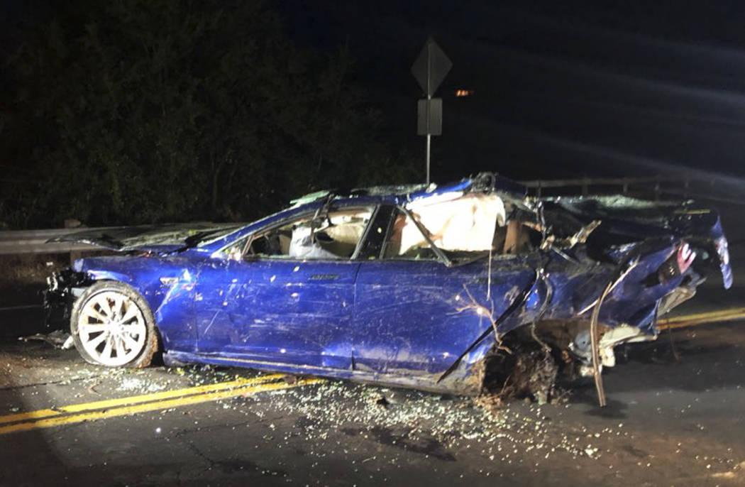 Driver killed as Tesla crashes into San Francisco area ...