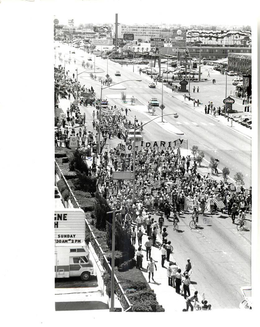The Culinary union strike begins in 1984. (Rene Germanier/Las Vegas Review-Journal)