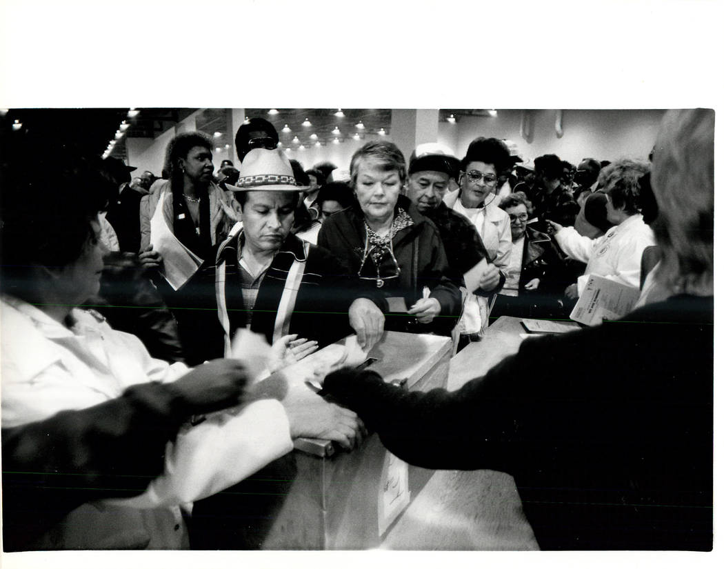 Union Hall casting votes. (Wayne Kodey/Las Vegas Review-Journal)