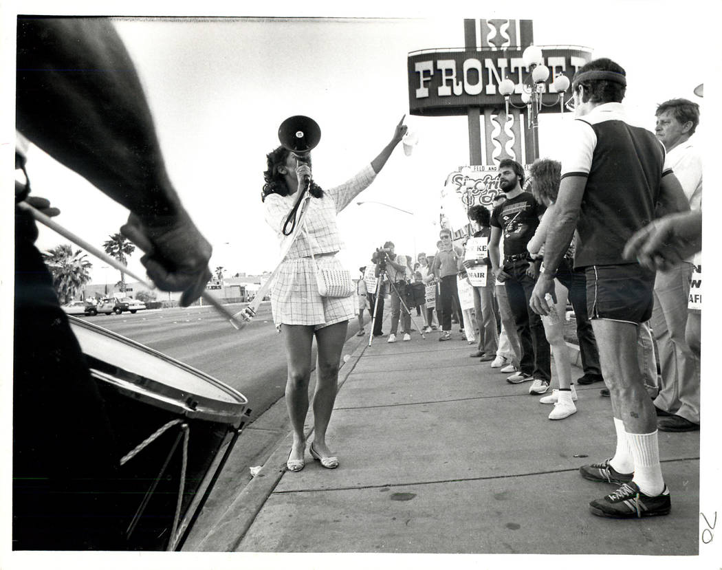 A spokesperson gives picketers hope during a Culinary union strike in 1984. (File Photo/Las Vegas Review-Journal)
