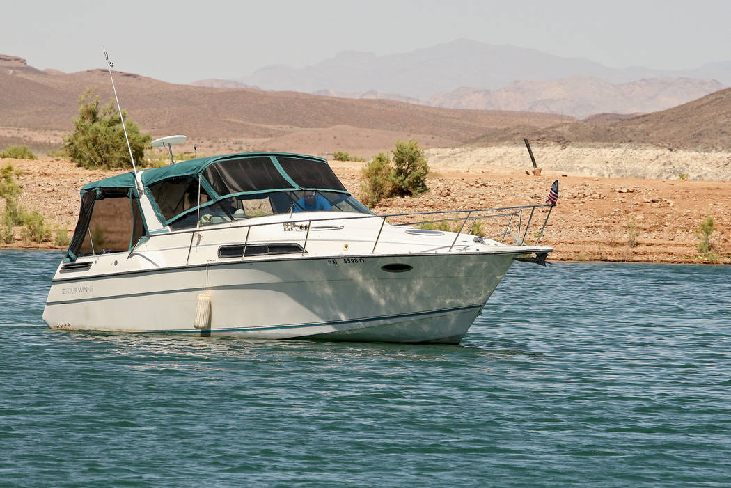 A boat drives toward the Lake Mead Marina to look for a place to dock, Tuesday, Aug. 15, 2017. Gabriella Benavidez Las Vegas Review-Journal @latina_ish