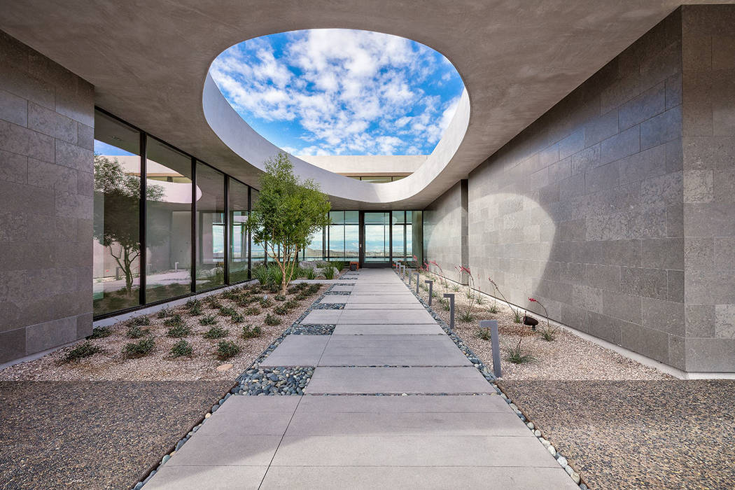Las Vegas architecture C.J. Hoogland designed the Cloud Chaser, an Inspirational Home in Ascaya. (Hoogland Architecture)