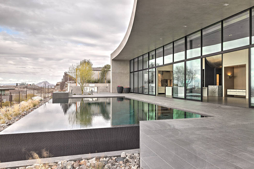 Most of the modern-design homes have infinity-edge pools, like the Cloud Chaser in Ascaya.