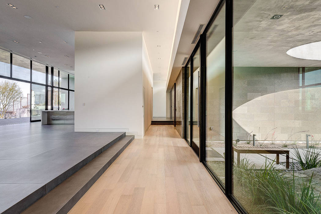 The look is modern with lots of clean, straight lines. (Hoogland Architecture)