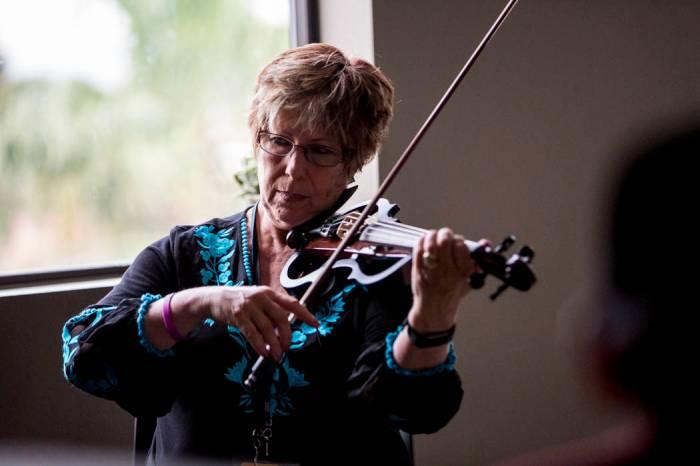 Las Vegas woman combines music with therapy | Las Vegas