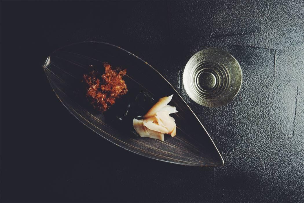 Sumi ika (ink squid), wakame (seaweed), and horseradish katsuo-bushi seasoning at Hari